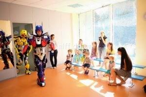 Роботы-трансформеры на праздник